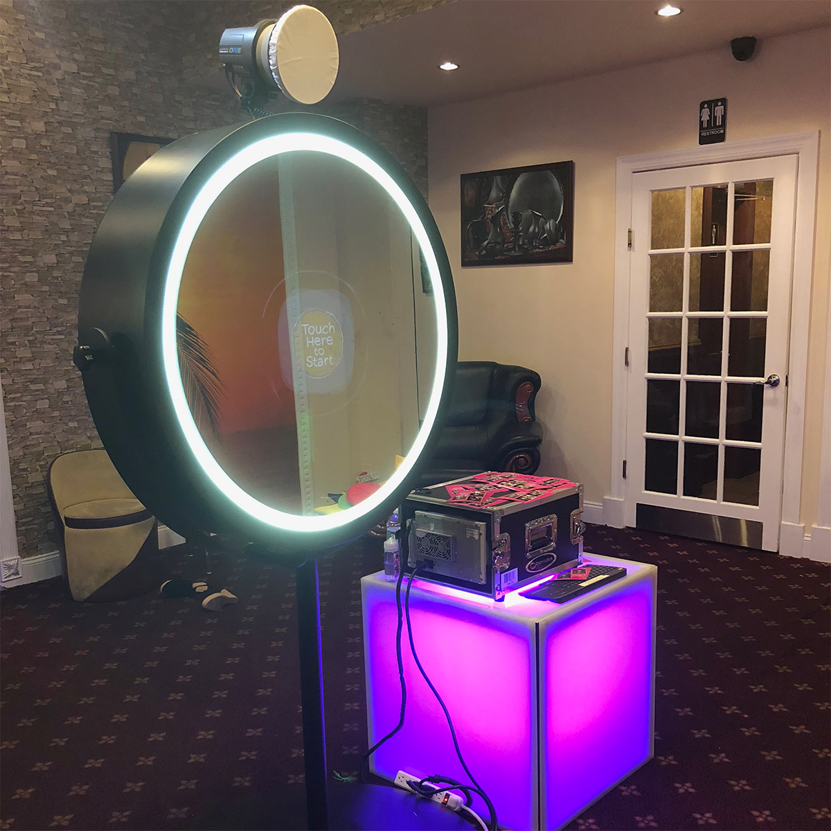 Beauty Mirror Photo Booth Rental | 212 PHOTO BOOTH